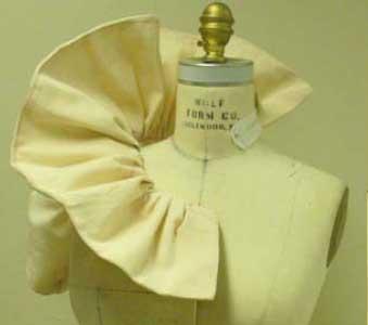 fashion-draping-ruffle-collar